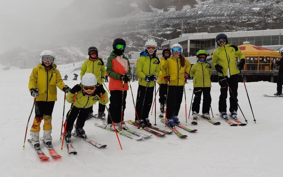 Erstes Skitraining am Pitztaler Gletscher